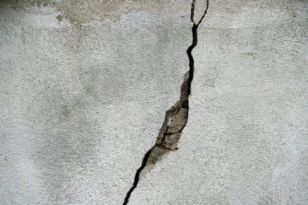 wall crack real estate california statute